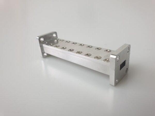 Waveguide / filtre passe bande 37.4 - 30 GHz hyperfréquences